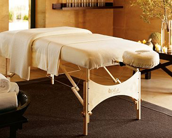Superieur Massage Table With 2 Speakers Mounted